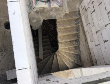 Монолитная лестница в доме из газобетона в д. Лукошкино