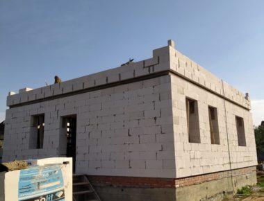 Начало кладки второго этажа из газобетона в деревне Чиверево