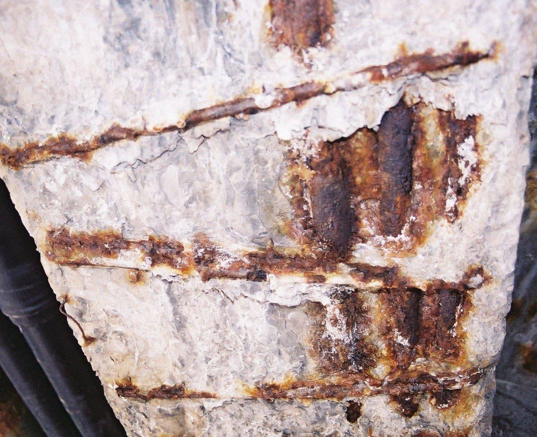 Подвержены ли коррозии металлоконструкции внутри газобетона?