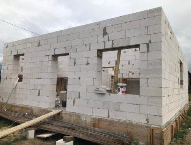 Возведение коробки первого этажа в Гжеле
